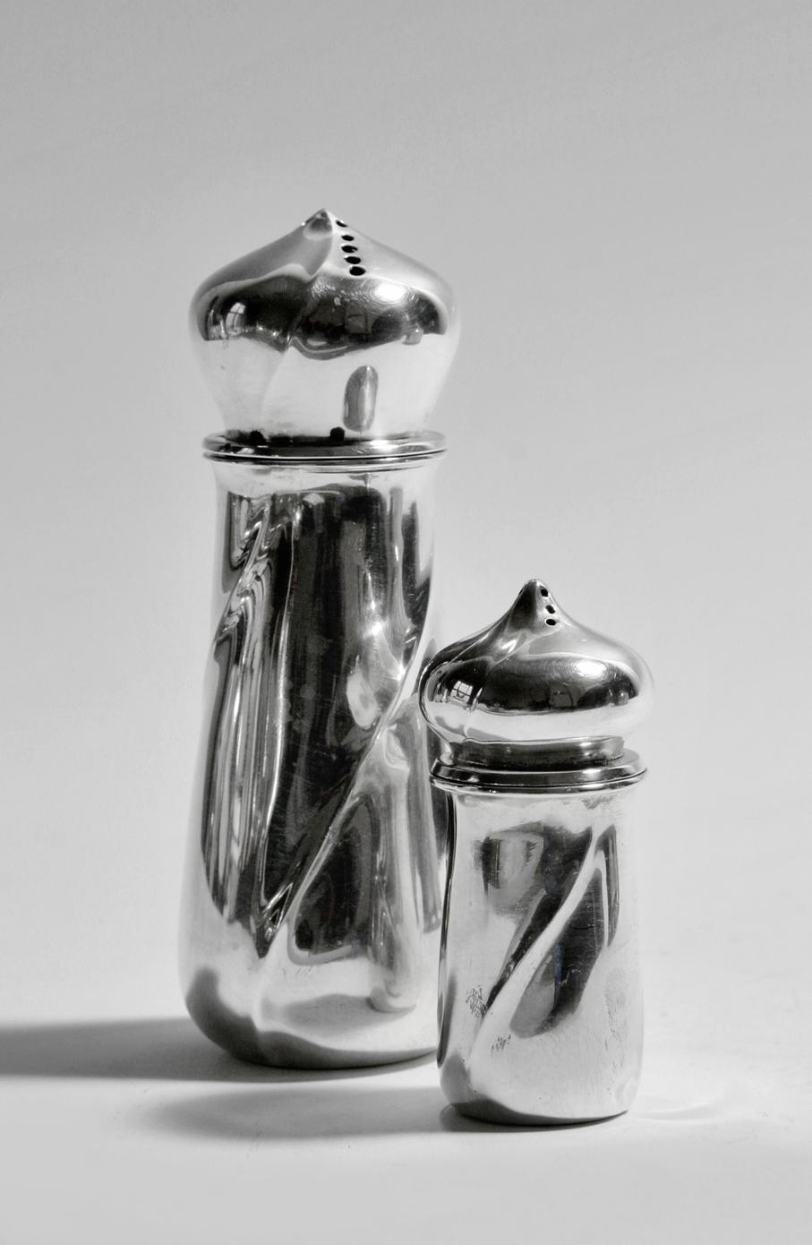 Toril Bjorg. Sukker- og saltsett. Produsert ved David-Andersen. Unikarbeid utført i 1975. (Foto: Mats Linder)