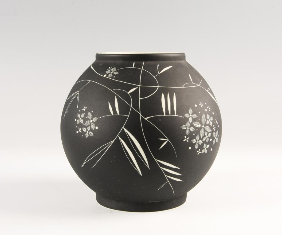 Nora Gulbrandsen. Vase. Utført ved Porsgrunds Porselænsfabrik. Ca. 1936. (Foto: Mats Linder)
