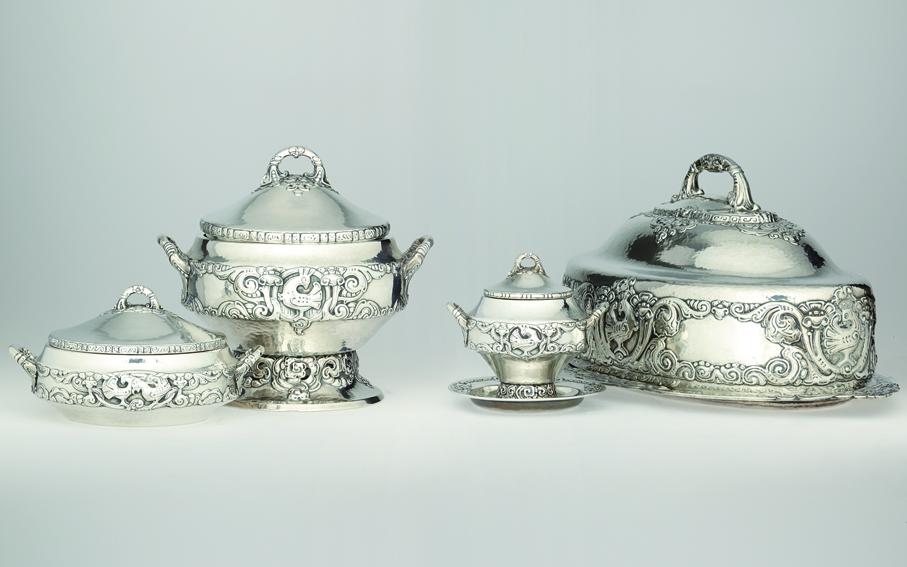 Gunnar Tandberg. Serveringsdeler. Sølv. Utført ved N.M. Thune. (Foto: Blomqvist Kunsthandel)
