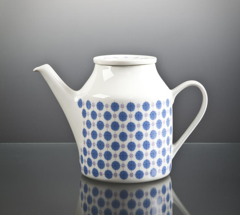 Tias Eckhoff. Kaffekanne. Modell: Regent. Produsert av Porsgrunds Porselænsfabrik. 1961. (Foto: Mats Linder)