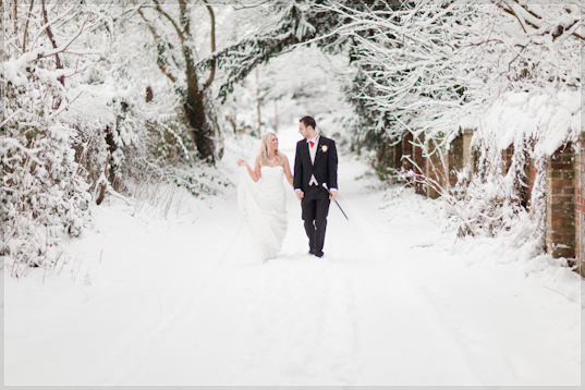 Mat Smith Photography - Nikki and Tom walking in Shepherd's Lane, Hurley