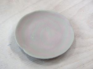 バラの模様のお皿
