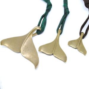 pendente-coda-della-balena-bronzo