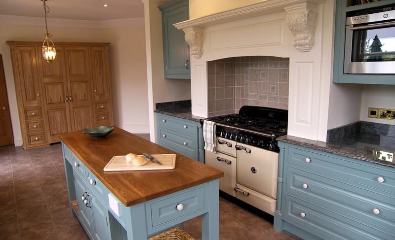 Shaker Kitchens Designs