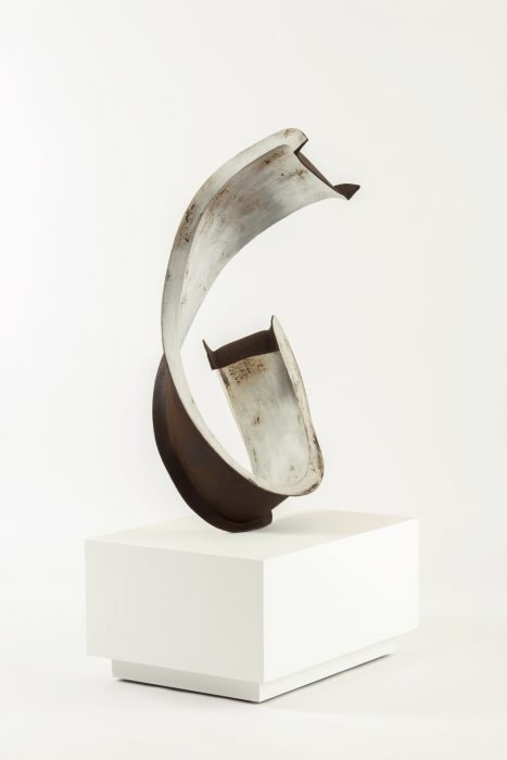 """""""Six""""  (Lautner Beam / Super String), 2014 Mild steel with patina 45 x 25.25 x 15.75 inches"""