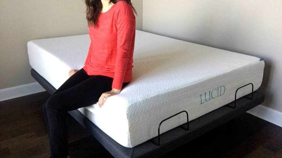 Lucid 12  Plush Gel Memory Foam Mattress Review     memory foam top layer  there is not a lot of edge support to this  mattress  If you lay on your side you may feel yourself sinking closer to  the edge