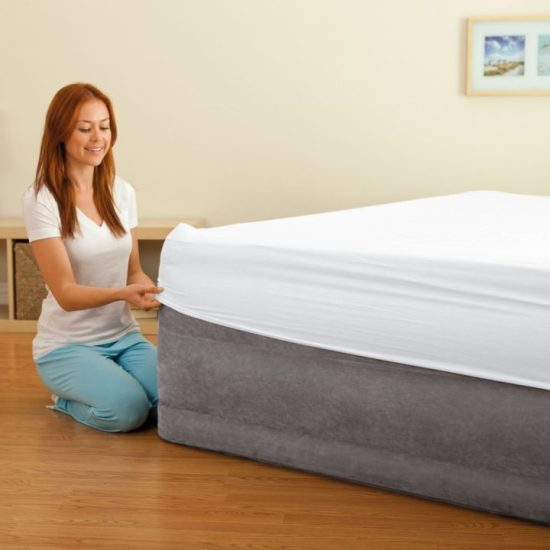 Intex Comfort-Plush Elevated Dura-Beam Airbed, Bed Height 22-Inch, Queen