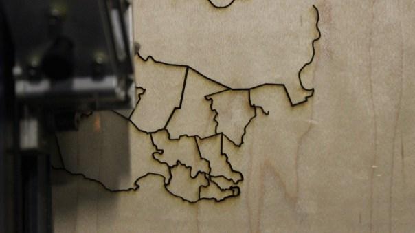Laser cut jigsaw puzzle