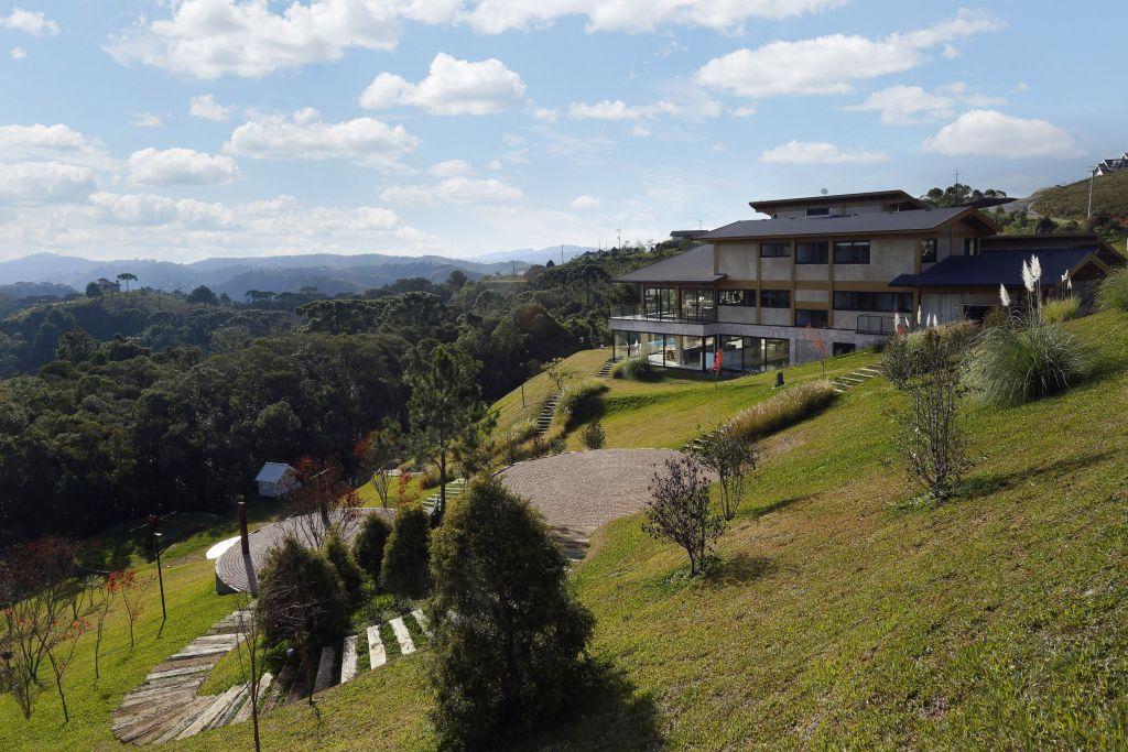 Carrossel aluguel de casas de luxo Villa05 em Campos do Jordão Sao paulo 5