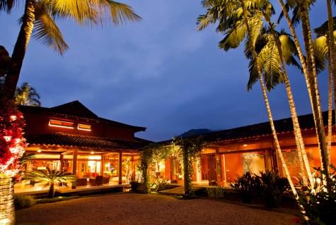 Carrossel aluguel de casas de luxo Villa05 em Angra dos Reis Rio de Janeiro 10 2
