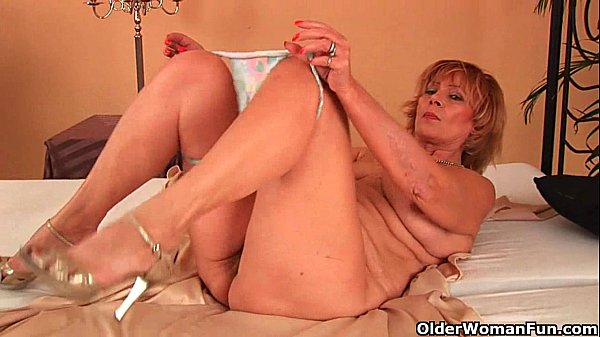 Plump grandma fucks his cock with her unshaven pussy