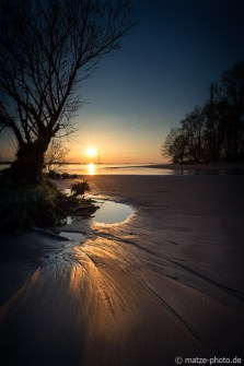 Hetlinger-Schanze-Sonnenuntergang-Baum