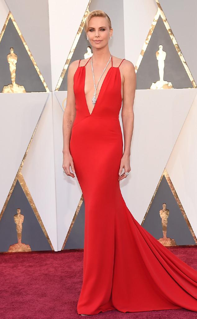 Charlize Theron veste Christian Dior