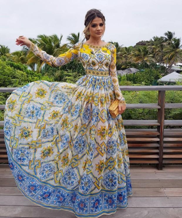 Thassia Naves veste Dolce & Gabbana