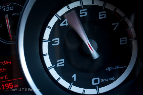 Alfa Romeo rev counter