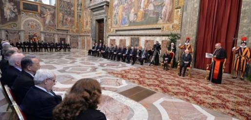 """Vaticano afirma que legalización del matrimonio gay es """"una derrota"""""""
