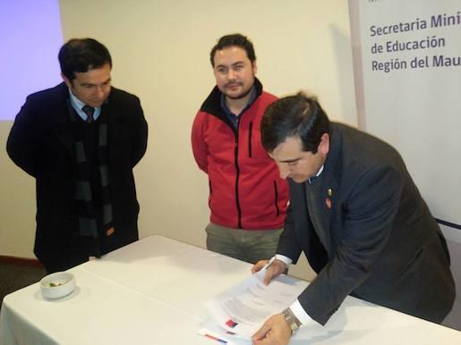 """Autoridades participan de la constitución de """"Comité Local de Desarrollo Profesional Docente"""" de la Región del Maule"""