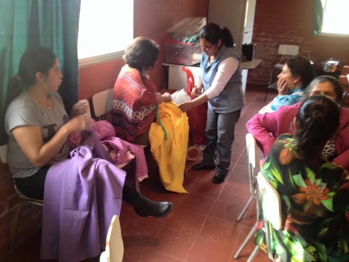 Talleres de manualidades y reposteria en sectores rurales realiza la municipalidad de Cauquenes