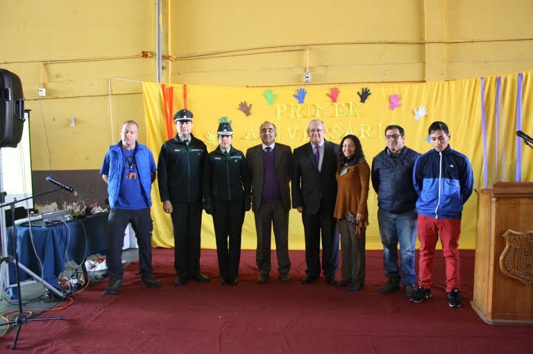 Liceo que imparte educación en caceles celebró primer aniversario con reconocimiento