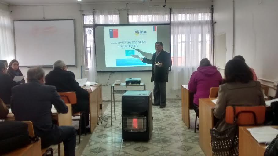 Directores de colegios y escuelas de la comuna de Retiro se reúnen para planificar desafíos educativos