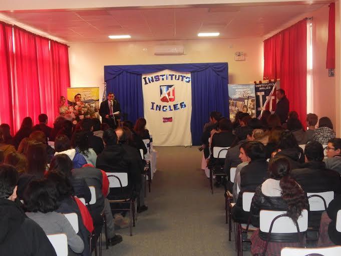 Educación Pública de Curicó ya cuenta con Red de profesores de inglés
