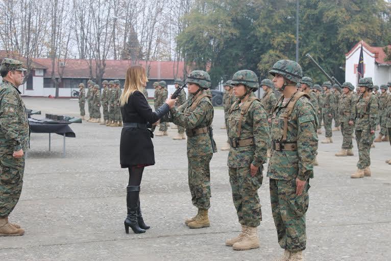 163 mujeres y hombres del Maule Sur recibieron las armas de los soldados conscriptos
