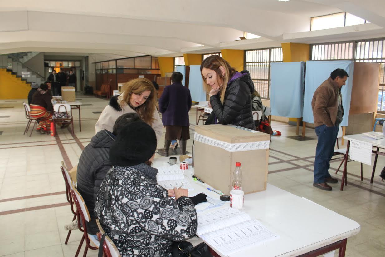 Gobernadora Provincial realiza un balance exitoso de las primarias legales en Linares