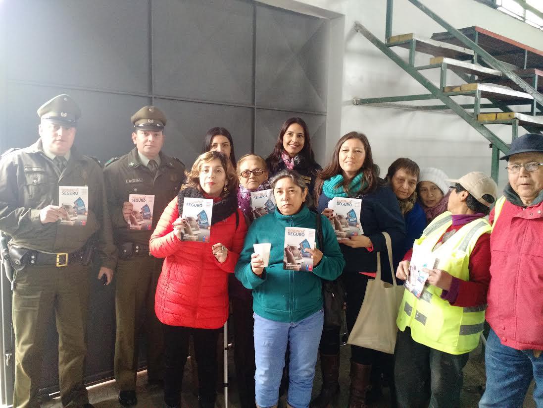 Seguridad Pública y Gobernación de Curicó difunden Denuncia Seguro y autocuidado para adultos mayores en Romeral