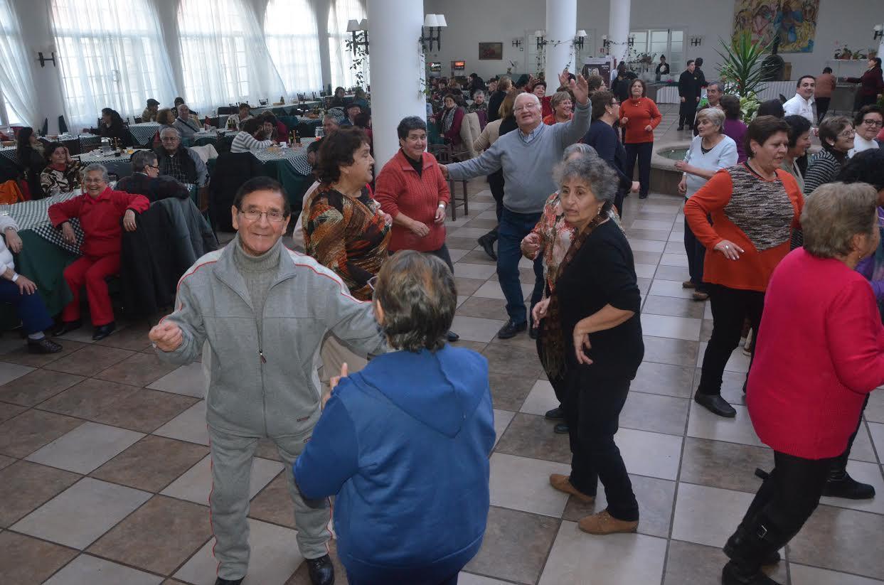 Mil 500 adultos mayores talquinos disfrutarán de las Termas de Panimávida