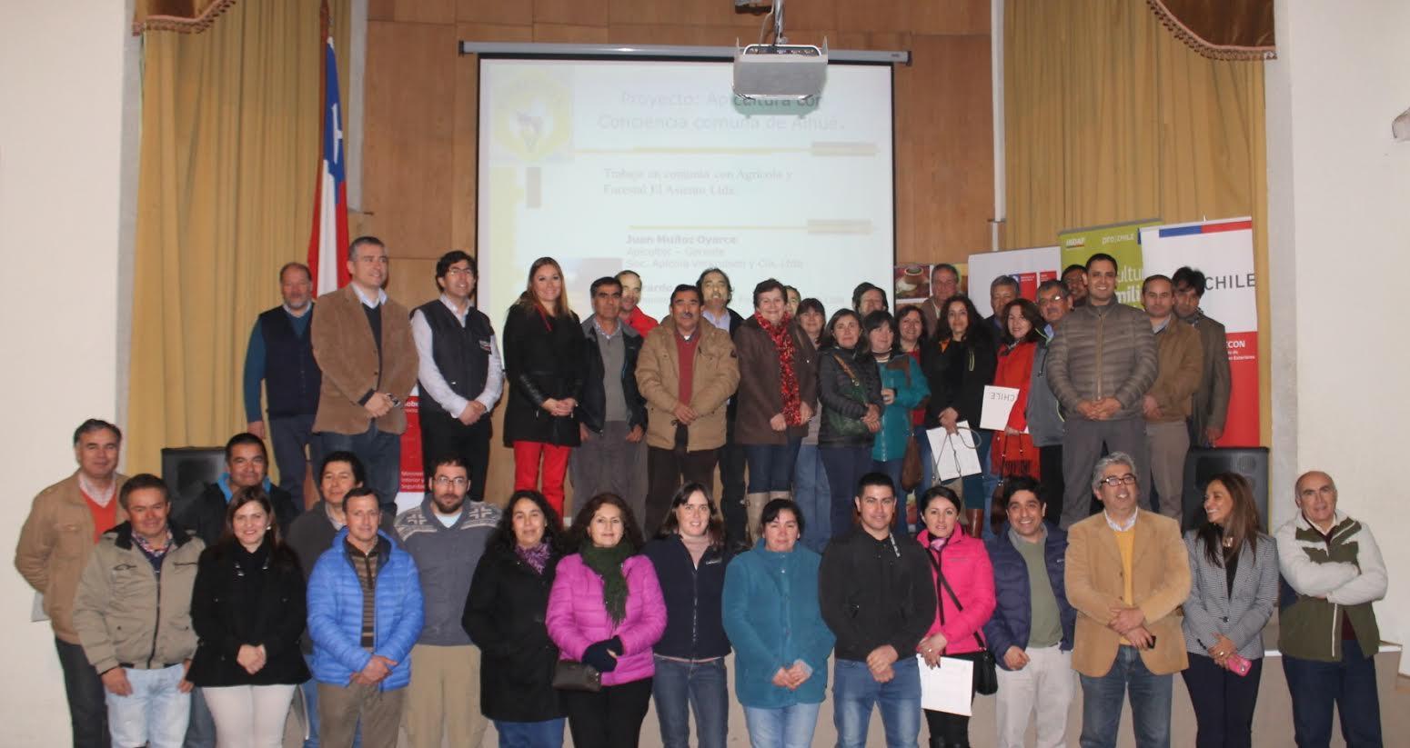 Apicultores de la Provincia de Linares reciben asesoría del Gobierno para ser parte del proceso exportador