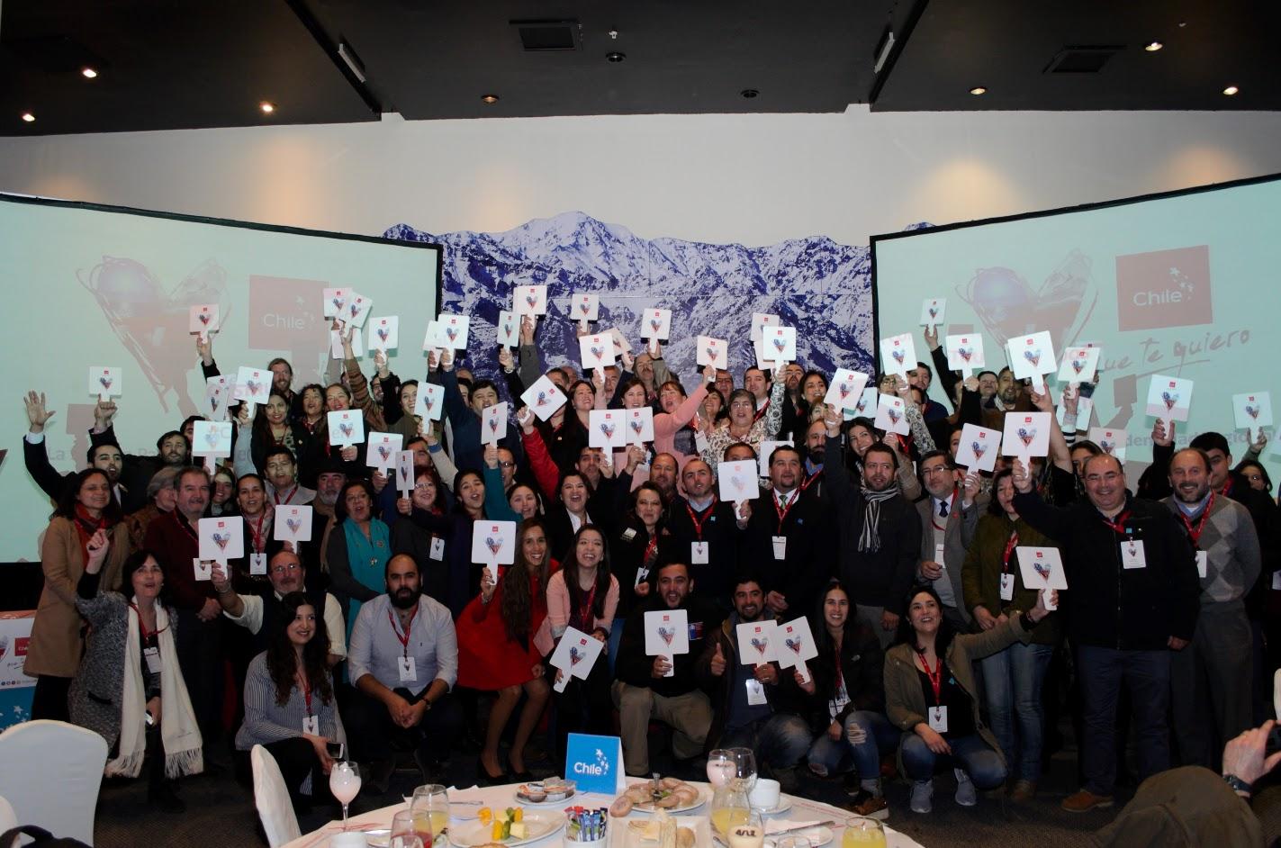 """Gira """"Chile que te quiero"""" congregó a más de 100 personas en su paso por Talca"""