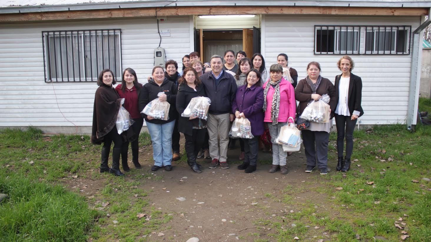 Municipalidad hace entrega de los materiales de trabajo a cada uno de los talleres de mujeres