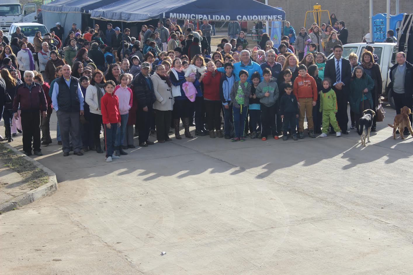 Entregan nueva plaza a activa en sector población Bellavista en Cauquenes