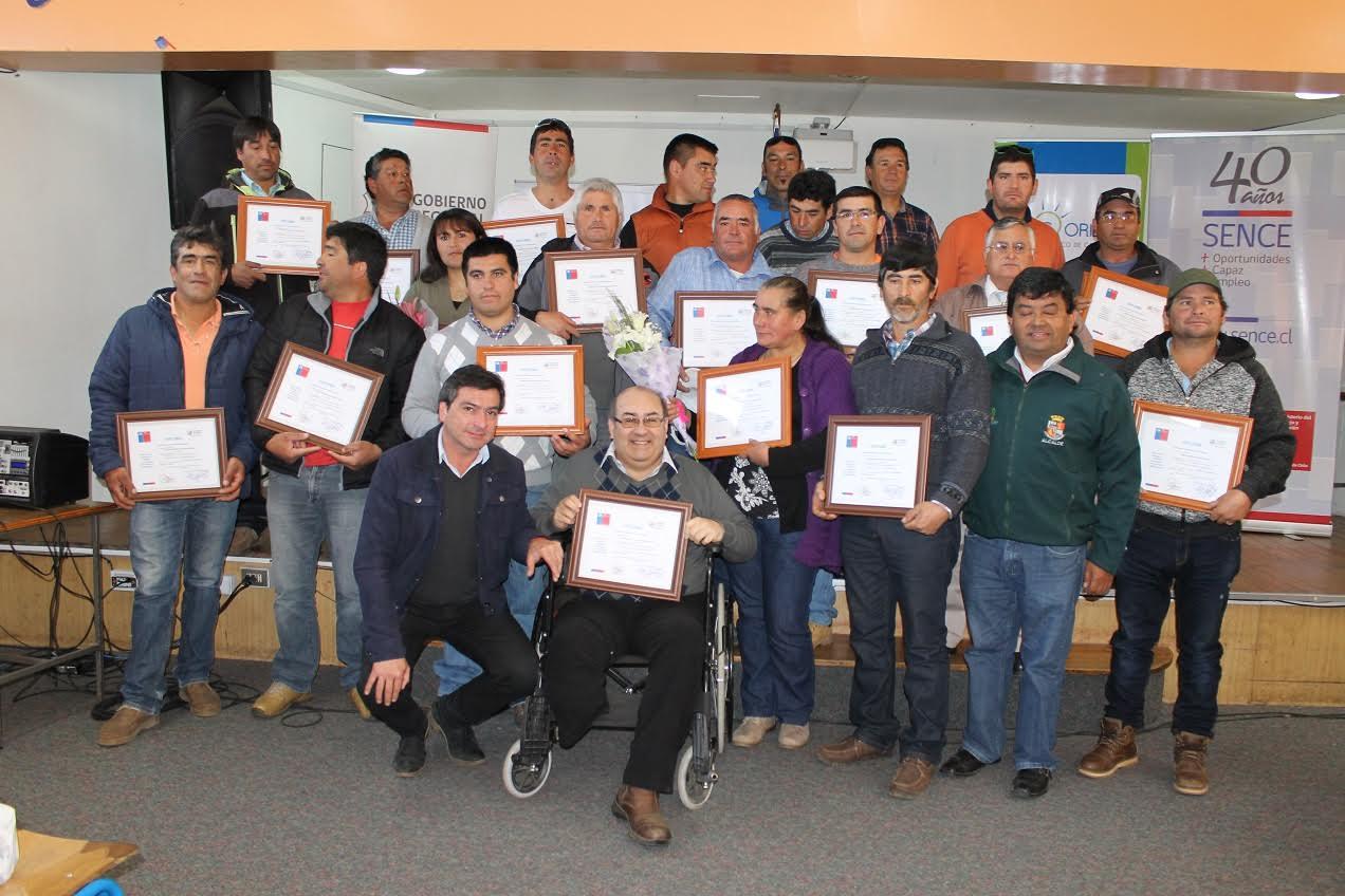 Más de 100 pescadores/as se certifican a través de SENCE Maule