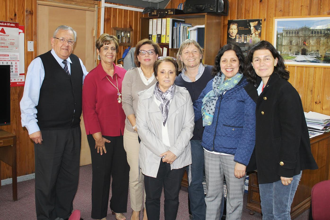 Escuelas Rurales de Talca son consideradas modelo por Pontificia Universidad Católica Madre y Maestra de República Dominicana