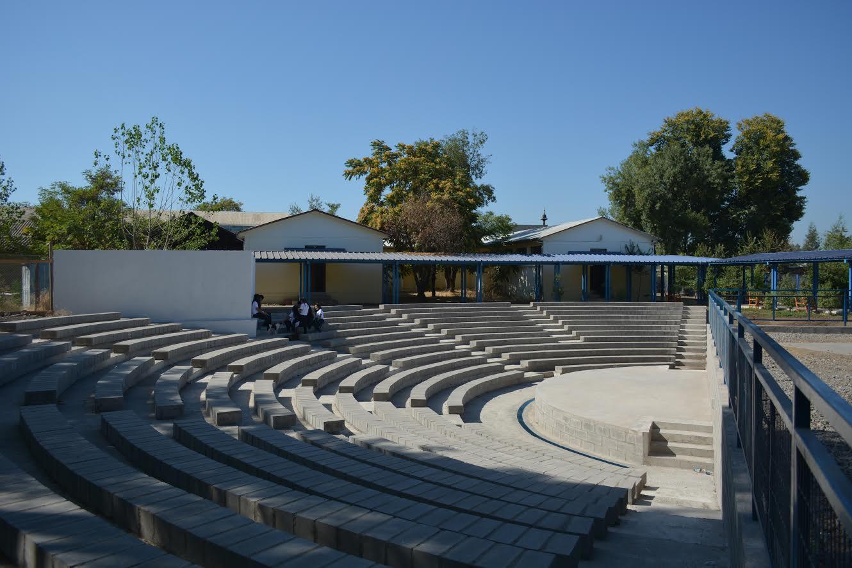 Seis meses de Anfiteatro para Liceo Zapallar único en la Provincia de Curicó