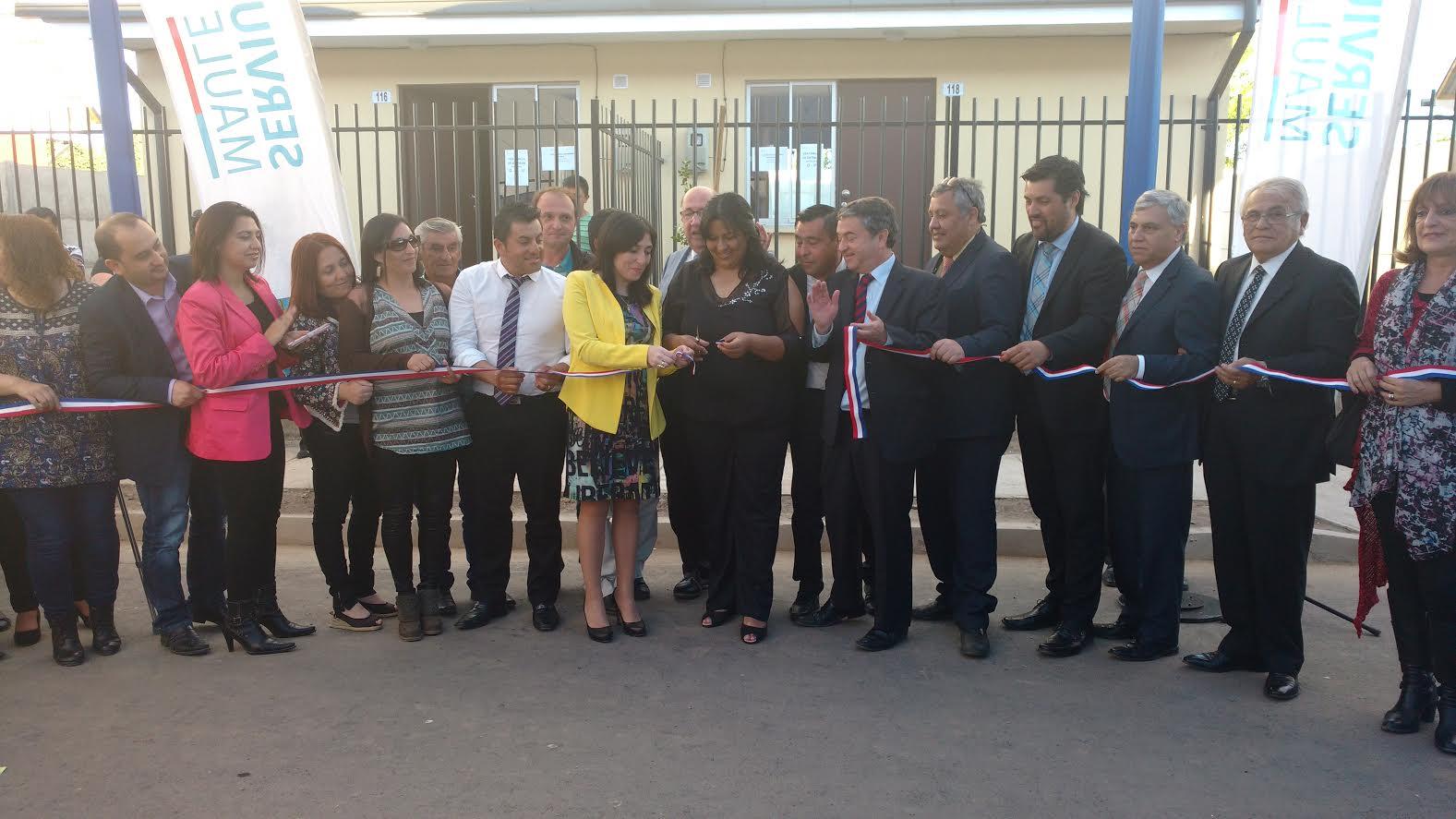 Gobierno a través de Serviu entregó 138 nuevas casas a familias de Sagrada Familia