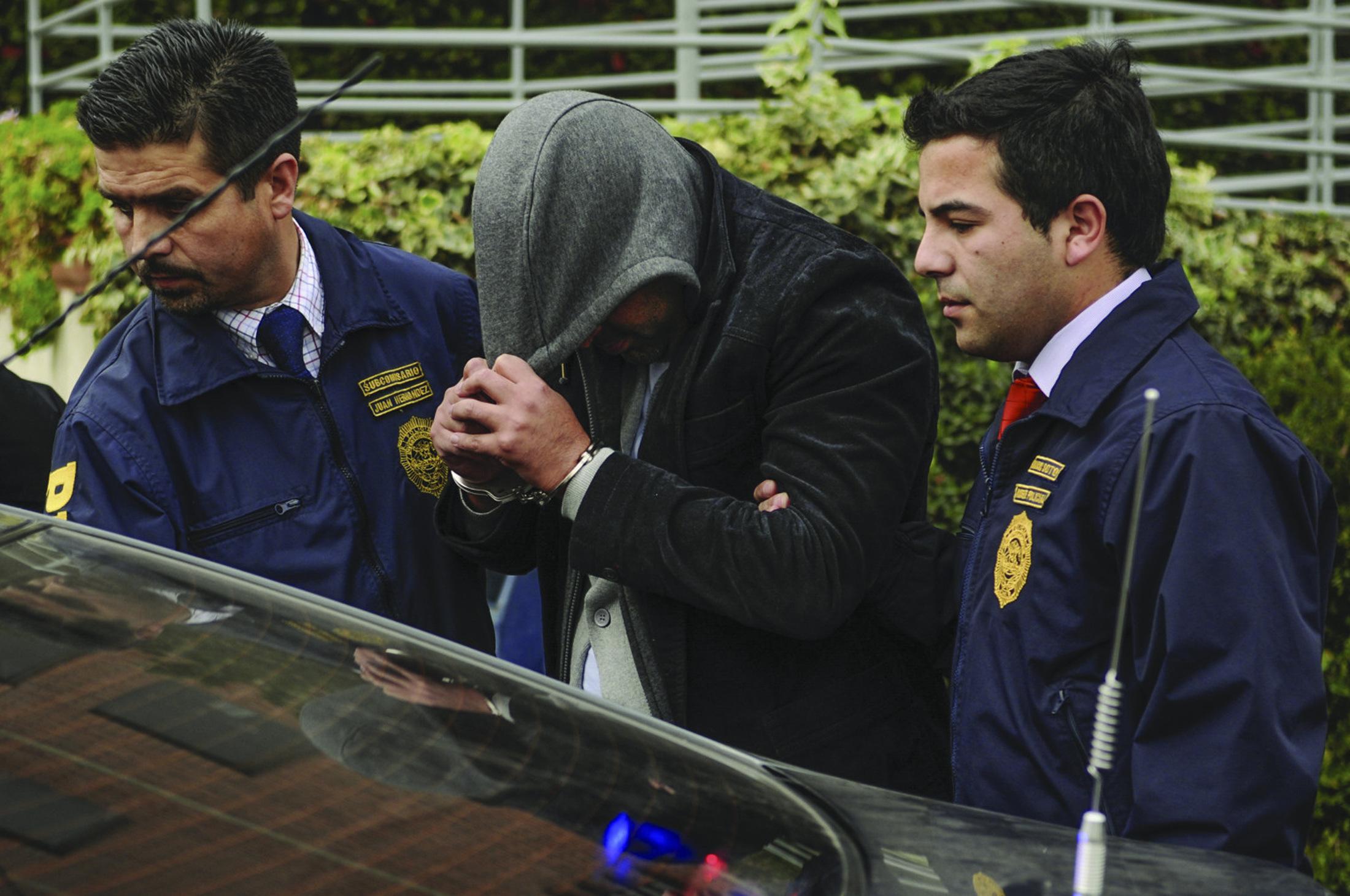 Tenía 6 órdenes de detención pendientes: PDI Linares detiene a sujeto que simuló ser paciente de hospital