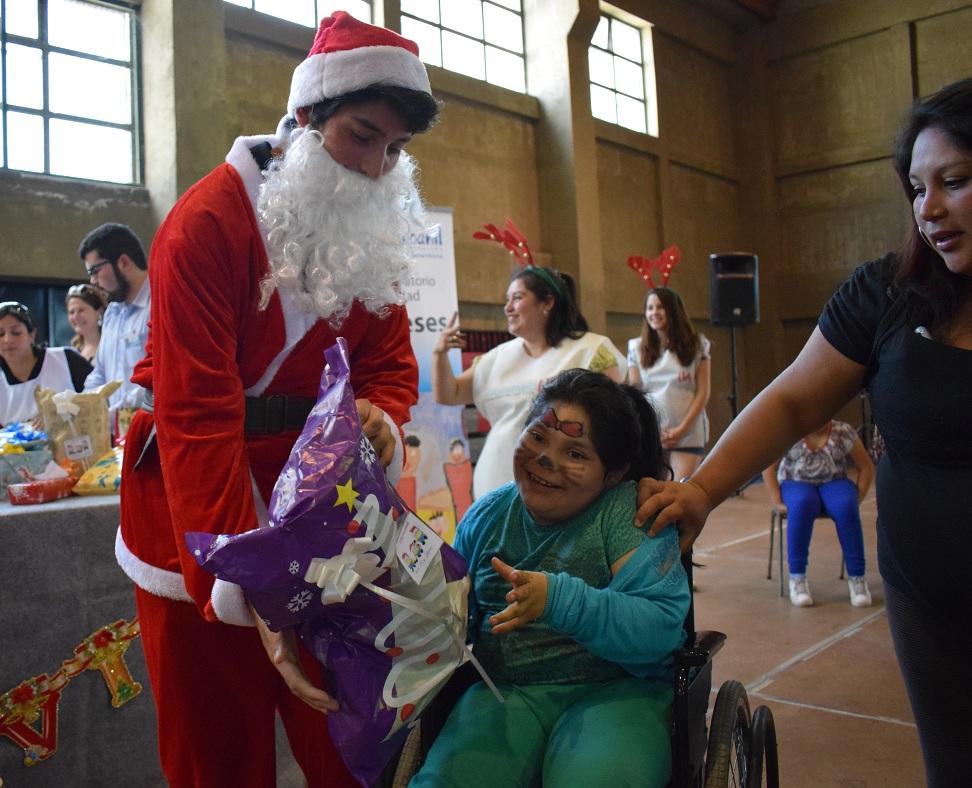 UA apoyó a Fundación Coanil con actividad de fin de año