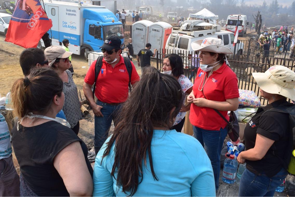 FOSIS apoya en terreno a víctimas de incendios forestales