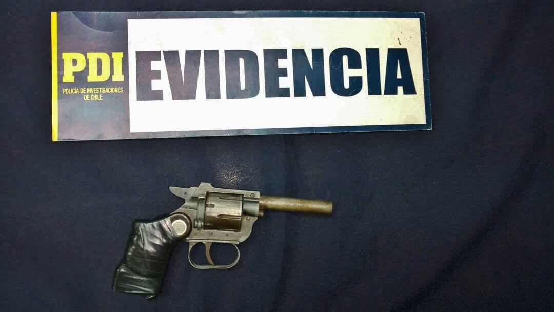 PDI Talca saca de circulación un arma de fuego y drogas en Población San Luis