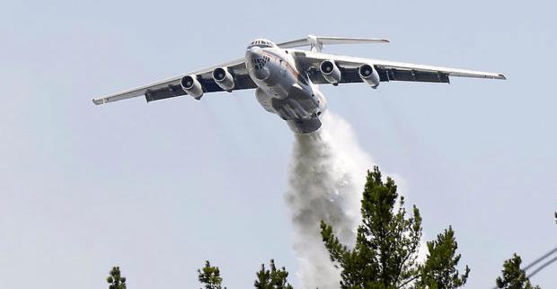 """Probables chubascos complicarían labor de los """"súper aviones"""" en combate de incendios"""