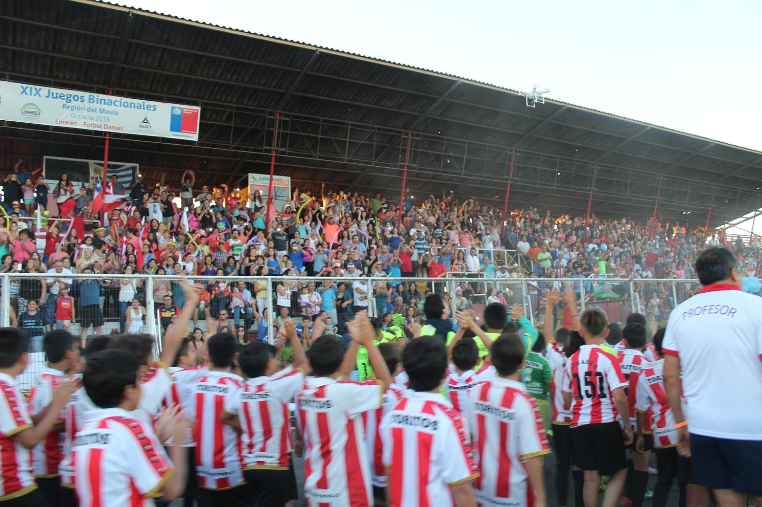 Multitudinaria inauguración de la Linares Cup