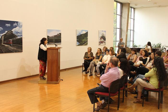 Esculturas, grabados y pinturas se exhiben en salas de arte de la Universidad de Talca