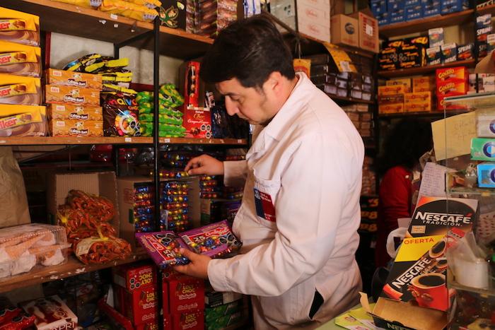 Seremi Salud inspecciona huevos y conejos de pascua viendo si cumplen Ley Etiquetado de Alimentos