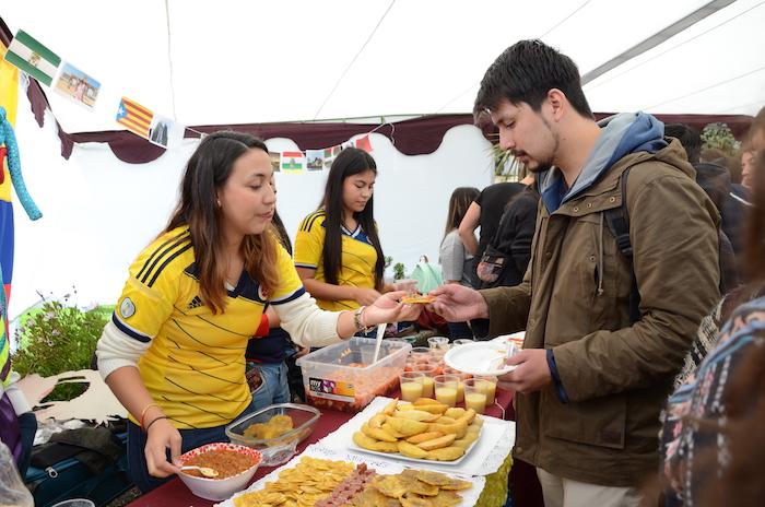 Cultura y gastronomía se tomaron el International Fest de la UTALCA