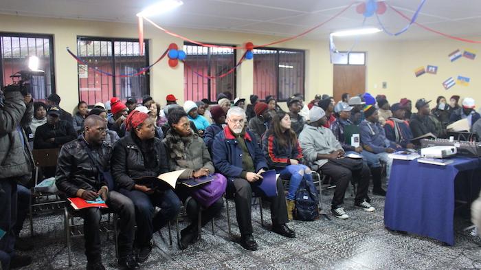 Realizan taller de derechos laborales para inmigrantes