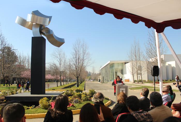 Nueva obra se suma al Parque de las Esculturas de la Universidad de Talca