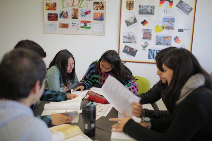 Vocación, empleabilidad y mejores sueldos: Las razones para estudiar una pedagogía