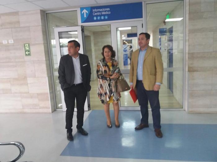 Sagrada Familia gestiona convenio con destacado centro de salud santiaguino